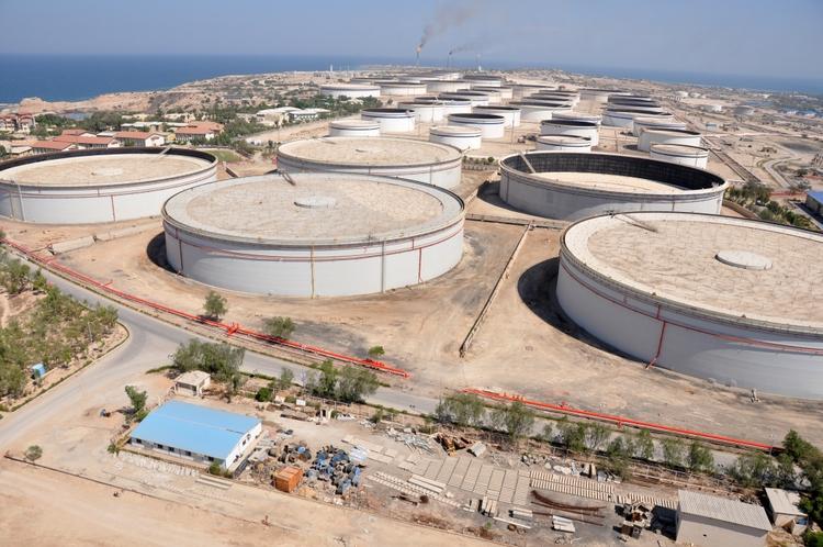مشکلات خانواده های کارکنان اقماری نفت